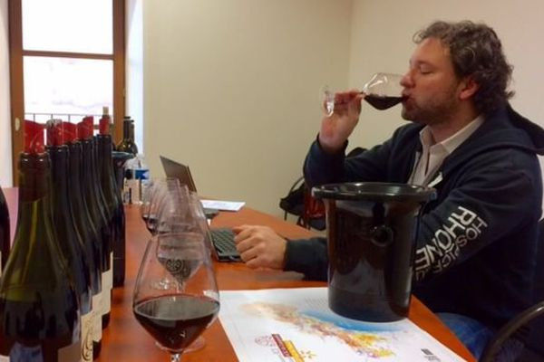 Jeb Dunuuck a dégusté 550 échantillons de vins du Languedoc.