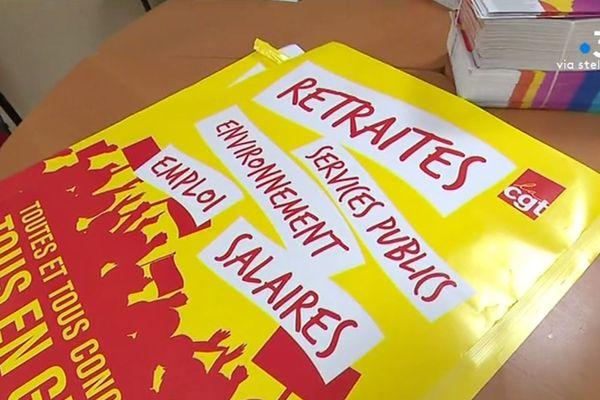 A la maison des syndicats de Bastia, la CGT préare des tracts pour la journée de mobilisation de jeudi.