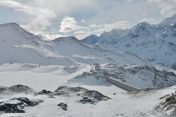 Photo d'illustration dans un glacier en Valtournenche, en localité Cimes Blanches,Vallée d'Aoste, en Italie.