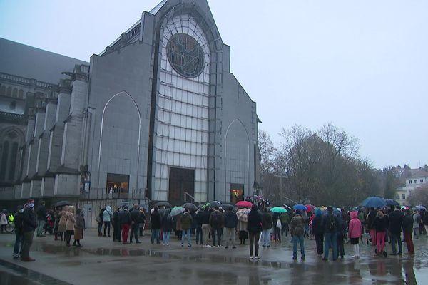 """Les manifestants se sont réunis à l'appel du collectif """"Objectif messe"""", qui milite pour l'autorisation des messes en public"""