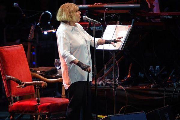 Marianne Faithfull sur la scène du festival Blues Passions de Cognac.