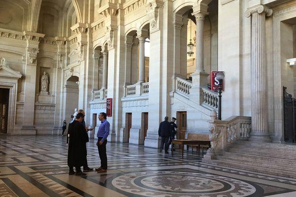 Principal accusé à comparaître devant la Cour d'Assises spécialement composée de Paris : Cédric Courbey, militant de Corsica Libera et proche de Charles Pieri.