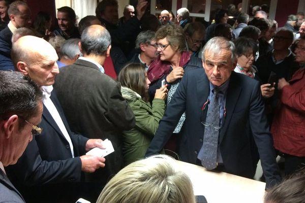 Jacques Lepetit, maire des Pieux et président de la communauté de communes, ce dimanche soir à l'issue du dépouillement du référundum sur la création de la commune nouvelle