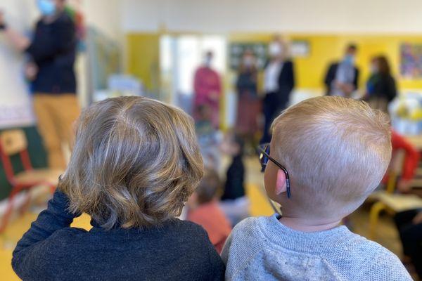 Les élèves de maternelle et de primaire retrouvent le chemin de l'école ce lundi 26 avril.