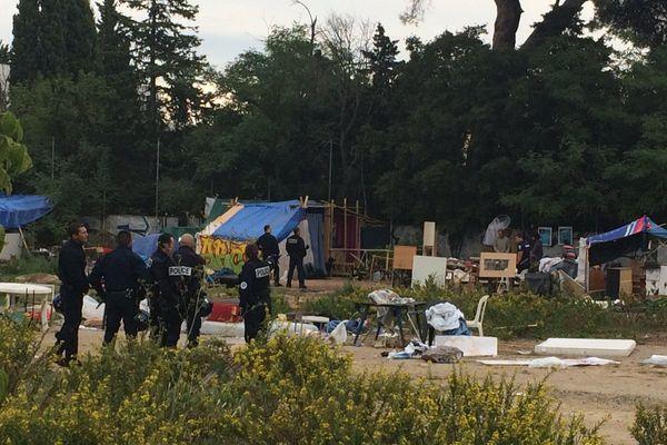 Evacuation par des CRS d'un squat dans le quartier des Aubes à Montpellier