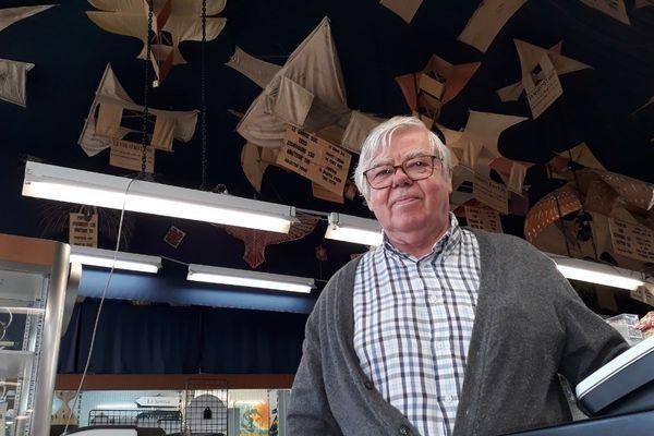C'est Georges Deffain qui en 1990 a retrouvé la collection de cerfs-volants anciens de son grand-père.