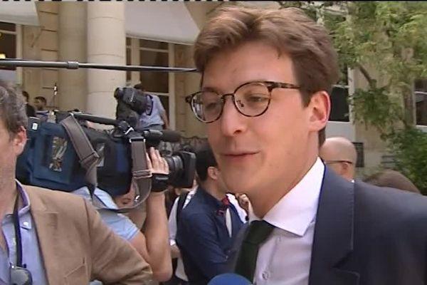 Sacha Houlié,nouveau député de la Vienne, a été très sollicité pour sa rentrée à l'Assemblée Nationale