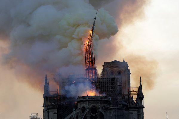 Notre-Dame de Paris en feu le 15 avril 2019.