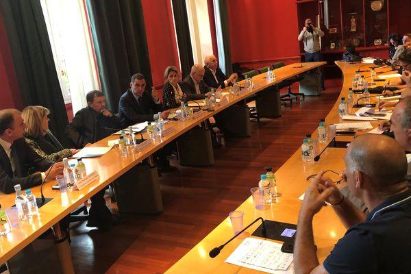 Ce mercredi 6 novembre, le conseil exécutif de Corse s'est rassemblé autour de la question de la gestion des déchets dans l'île.