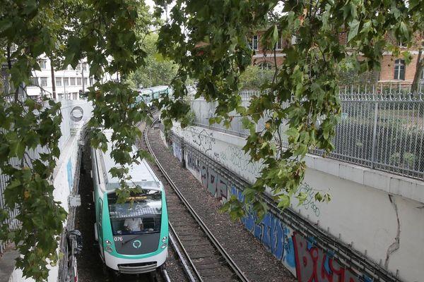 Le métro sur la ligne 6 (illustration).