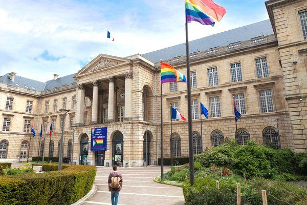 La ville de Rouen engagée dans la lutte contre les LGBT phobies. (photo prise en mai 2021).