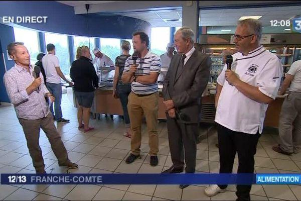 François Marie Lapchine et ses invités à la cuisine centrale de Lons-le-Saunier