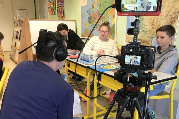 TV Loustics en tournage à l'école Notre Dame de Brétignolles-sur-Mer