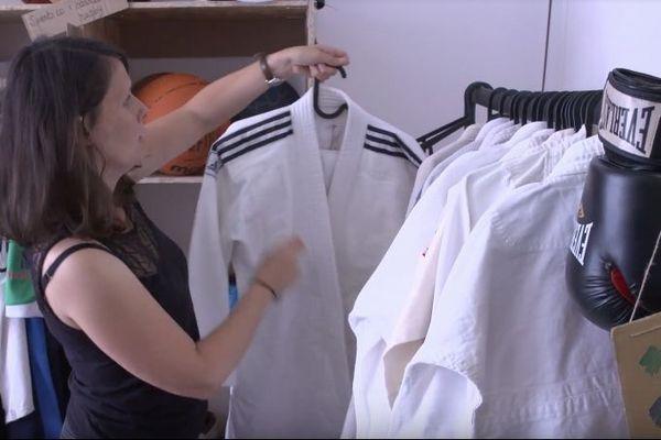À Nantes, une recyclerie spécialisée offre aux équipements sportifs une seconde vie.