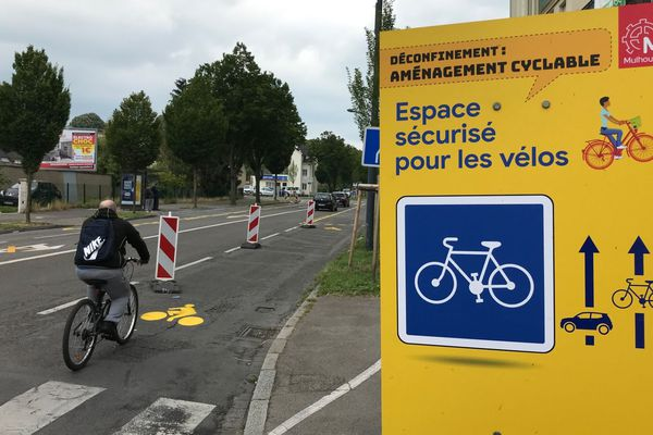 Une quinzaine de kilomètres d'axes cyclables a été aménagée à Mulhouse pour faciliter les déplacements à vélo pendant la phase de déconfinement.