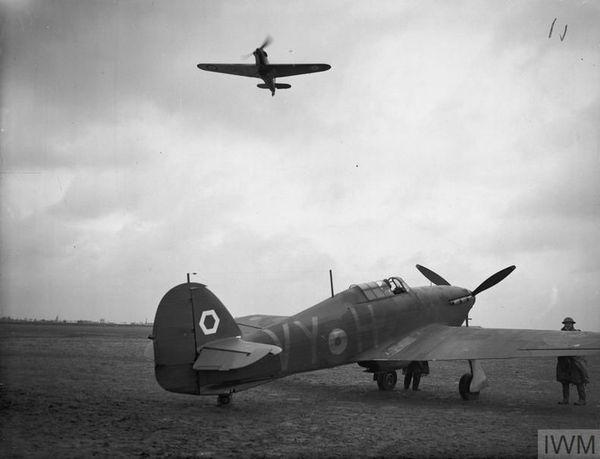 Des Hawker Hurricane Mark I sur la base de Lille-Seclin en 1940.