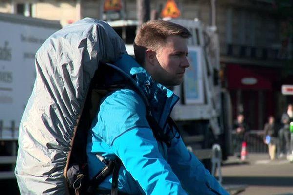 Antoine Acin a décidé de parcourir 230 kilomètres à pied seul, pendant six jours. Son initiative a permis de lever plusieurs centaines d'euros pour l'association du Dr. Micky, célèbre clown du CHU amiénois.