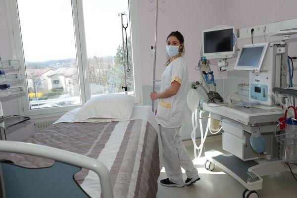 La Polyclinique de Franche-Comté, à Besançon, a aménagé six chambres de réanimation et 24 lits de médecine « spécial Covid-19 » pour affronter l'épidémie.