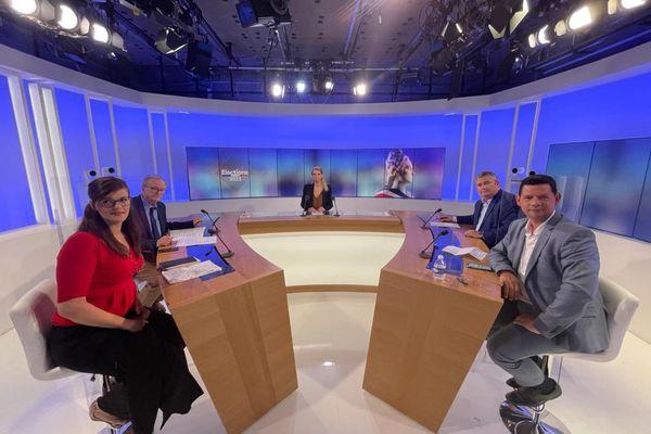 Le débat de France 3 Rhône-Alpes pour les élections départementales dans la Loire a rassemblé Georges Ziegler, Julien Borowczyk, Isabelle Surply et Christophe Faverjon, mercredi 16 juin, interrogés par Claire Exbrayat.