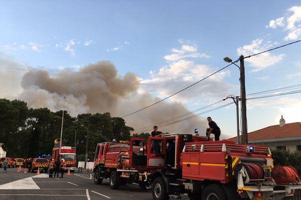 Plus de 200 pompiers et 2 canadaires mobilisés pour venir à bout de l'incendie du Pignada