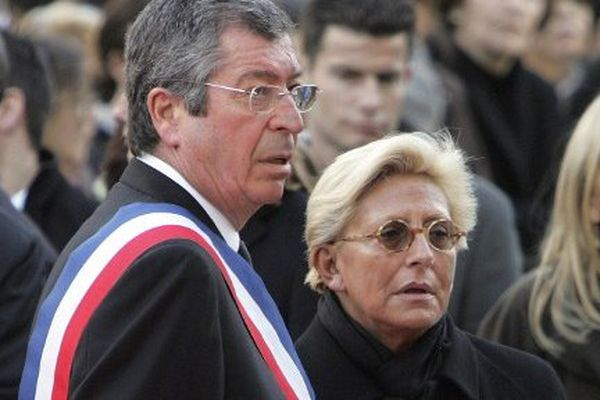 Le couple Balkany lors d'une cérémonie à Levallois-Perret, en 2009.
