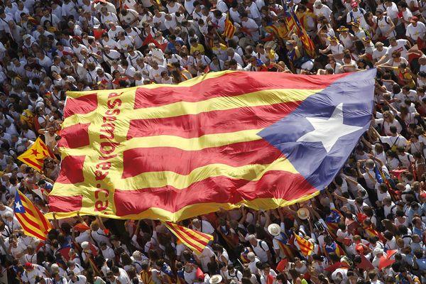 Barcelone (Espagne) - le cortège de la Diada avec des centaines de milliers de participants - 11 septembre 2015.