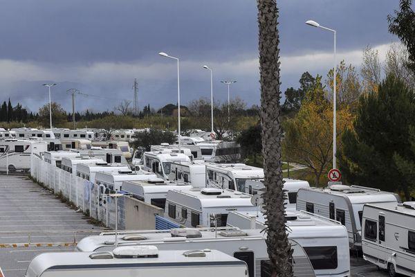 Plus de 80 caravanes s'étaient installées dans la zone commerciale de Saleilles, dans les Pyrénées-Orientales.