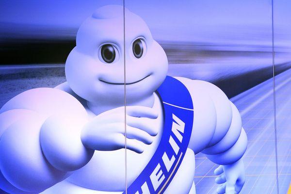 Michelin a publié lundi un chiffre d'affaires en repli de 6,3%, à 5,22 milliards d'euros au premier trimestre, en raison notamment de la baisse du dollar par rapport à la devise européenne.