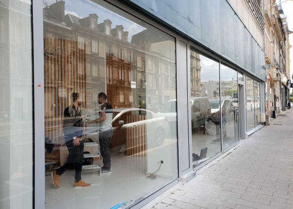 Les travaux du centre Ophtalmologie Express s'achèvent. L'enseigne n'est pas encore installée sur la façade.