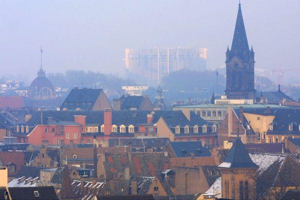 L'Eurométropole de Strasbourg figure parmi les 11 territoires de France où les taux de pollution de l'ai admis par la règlementation européenne sont regulièrement dépassés
