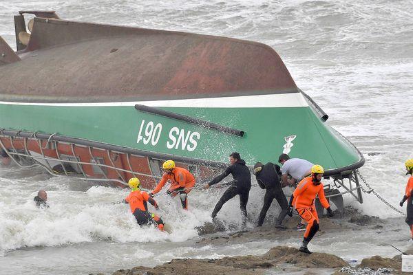 Le 7 juin 2019, trois membres de la SNSM des Sables d'Olonne décédaient lors d'une opération de sauvetage en pleine tempête.