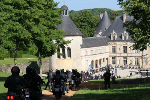 Arrivée au château de Bussy-Rabutin
