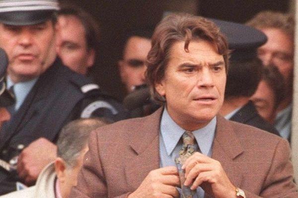 Bernard Tapie arrivant au Palais de justice de Douai, le 26 octobre 1995