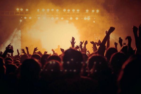 Et si le Covid 19 était l'antivirus des cachets (trop) élevés des artistes de festivals de musique ?