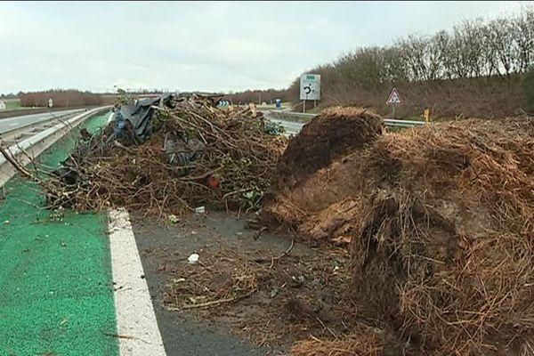 Blocage de l' autoroute A20 au nord de Montauban (82)