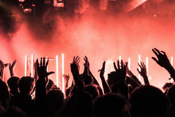 Le monde de la nuit exclu du déconfinement en France : le DJ tarnais Jim-X appelle à la mobilisation.