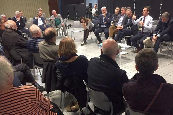 Une soixantaine de citoyens a participé au débat animé par le secrétaire d'Etat Jean-Baptiste Djebbari, hier soir, vendredi 8 novembre 2019 à Limoges.
