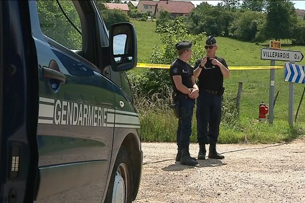 La gendarmerie, lundi 24 juin au matin, à Villeparois.