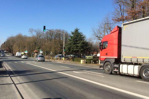 DEs embouteillages se forment fréquemment aux feux rouges de Mignaloux sur la RN147 à l'approche de Poitiers.