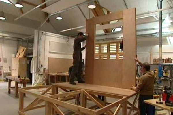 Les décors du film prennent forment dans les ateliers du lycée...