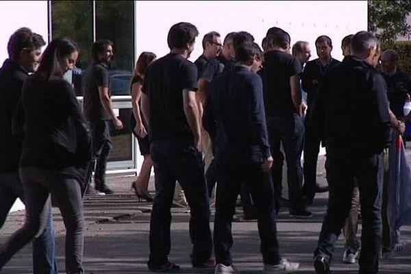 Les salariés d'Intel se sont vêtus en noir pour recevoir le vice-président du groupe américain sur son site toulousain