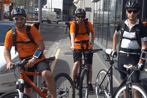 Les cyclistes oranges de Fetch vont de nouveau arpenter Nancy et Metz pour livrer des repas !