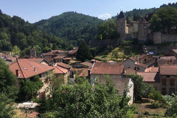 A Châteldon dans le Puy-de-Dôme, la production d'eau potable ne couvre plus que 50% des besoins pour une partie de la commune.