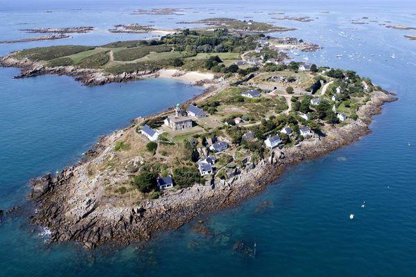 L'archipel de Chausey est à 15 kilomètres de Granville :  si loin , si proche