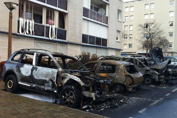 Sept véhicules incendiés devant la maison de Justice et du Droit à orgeval