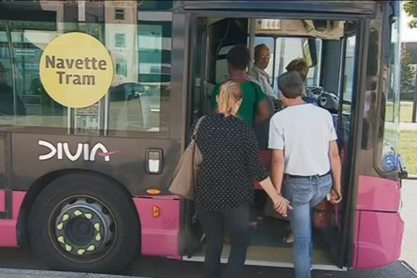 Des navettes remplacent le tram jusqu'au 12 août pour desservir certaines stations du réseau dijonnais.