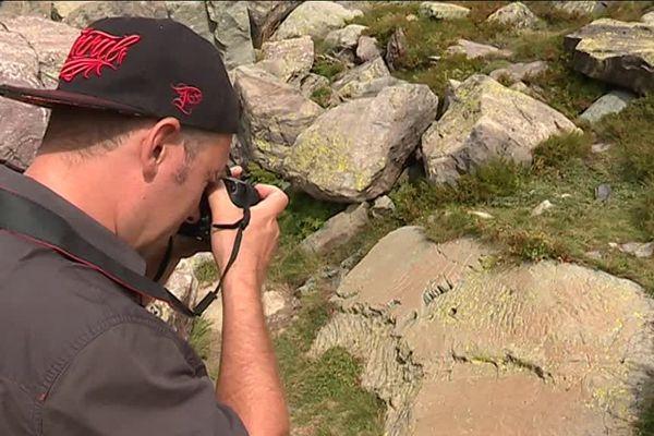 Les photographes prennent jusqu'à 300 clichés par gravure pour mieux reconstituer le site en 3 D.