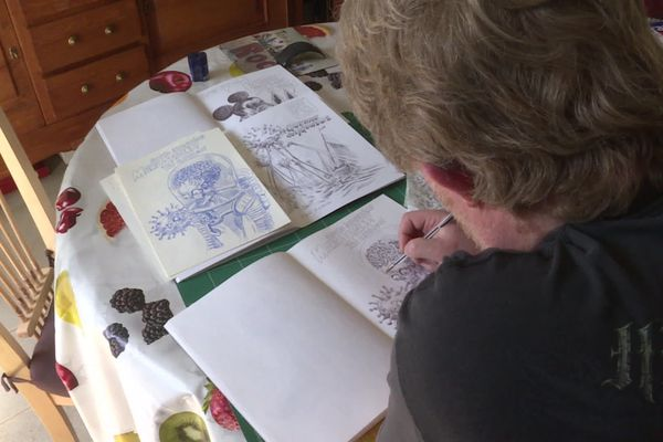 Depuis le début du confinement, Bruno Ghys, professeur d'histoire, dessine chaque jour son humeur.