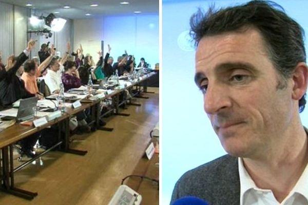 Eric Piolle dirigeait son premier conseil municipal à Grenoble, lundi.