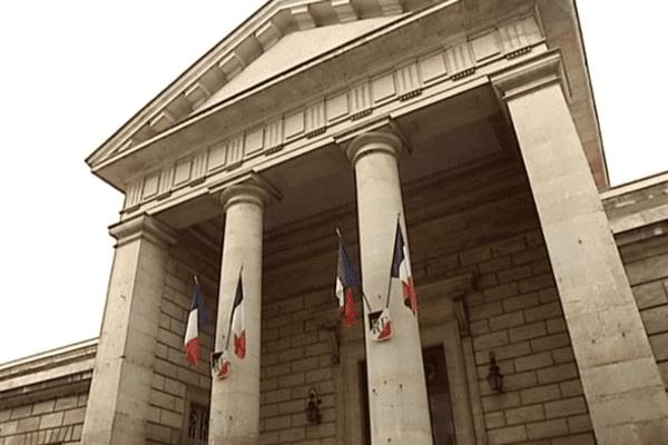 Le Palais de Justice de Niort où le conducteur britannique a été mis en examen.